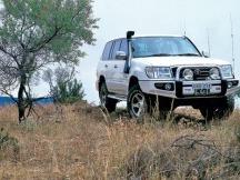 ARB nárazník SaharaBar Toyota