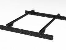 Muli-Rack systém včetně 2 Rhino Rack Vírové křížové paprsky v černé barvě.
