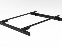 Muli-Rack systém včetně 3 Rhino Rack Vírové křížové paprsky v černé barvě.